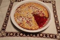 Bubble cake with red currant berries.