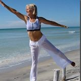 Yoga instructor Elin Larsen on Venice Beach.